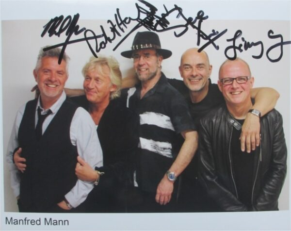Manfredd Mann's Earthband Signed Photo