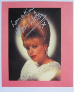 Mari Wilson Signed Photo
